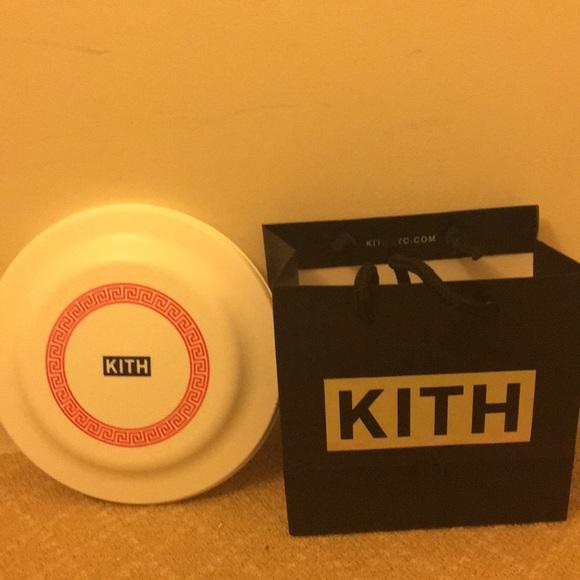 3665aa5144bd Rare NYC Kith x Nike Frisbee